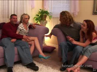 Swinger ženy spermmed na