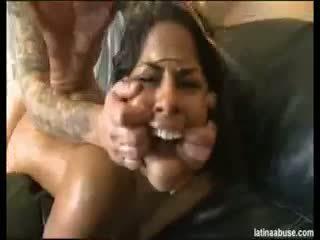 Latina zneužívání elana