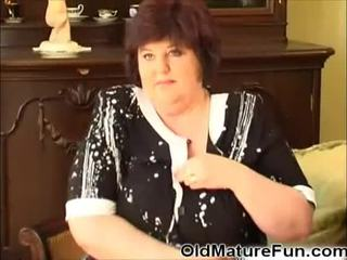 Older women play with big boobs Video
