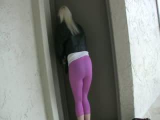 Fare pipì rosa indumenti sintetici leggings