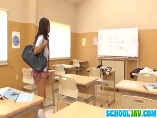 Curvy Schoolgirl Hibiki Ohtsuki Fucked In The Locker Room