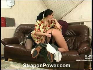 hq strap-on neuken, strap on bitches film, echt vrouwelijke dominantie