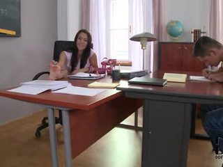 Горещ латино samia duarte's извратен проучване session в крак работни места