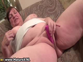 free vibrator thumbnail, old, rated solo girl