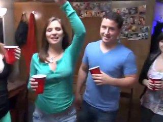 college ideal, jeder betrunken kostenlos, partei kostenlos