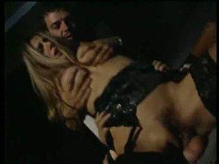 Selen having sexin the קולנוע