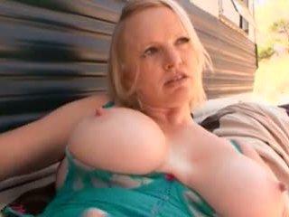 plein blondes chaud, réel gros seins vous, mamelons