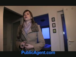 Pubblico agent fucks incinta marketa