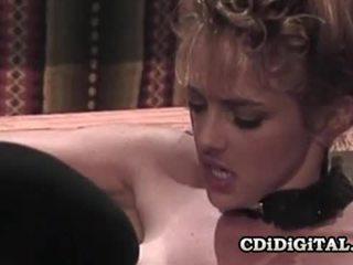 Shayla laveaux vintage baise dedans une cabaret