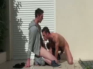 Muscley french gay amateurs cum