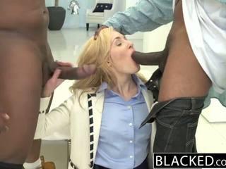 Blacked 2 大 黑色 dicks 为 丰富 白 女孩