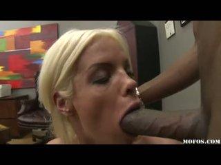 Gotak loving jordan blue whacks her enjoyable throat with a soçniý monstrous tüýlek