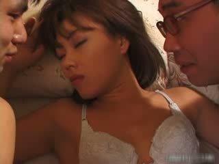 Pretty asian girl sucking and fucking