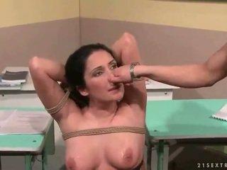 教師 punishing 彼女の セクシー 学生