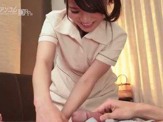 Waar naar aanraken een guy naar beurt hem op - nana nakamura