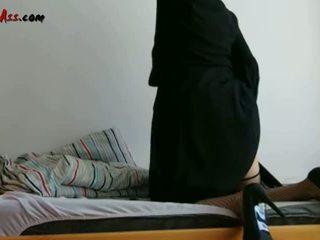 Niqab anāls solo par divāns