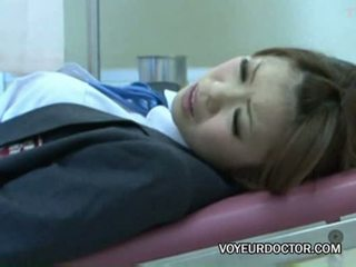 Voyeurcam ausgenutzt bei gynecologist 02
