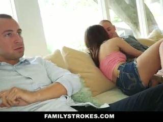 Familystokes- step-sis bedrogen in neuken beste friends <span class=duration>- 10 min</span>