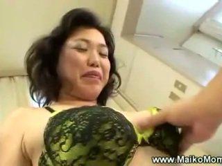 Rubbing मेच्यूर maikos हेरी पुसी