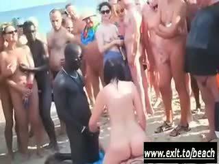 Międzyrasowe impreza na the nagie plaża wideo