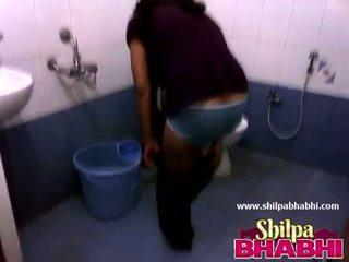 Indisch huisvrouw shilpa bhabhi heet douche - shilpabhabhi.com