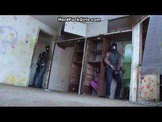 女性 キャッチ と ファック で an abandoned 家