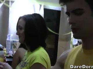Gratis dormitorio parties video