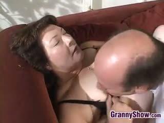 brunette, store bryster, bestemor, blowjob