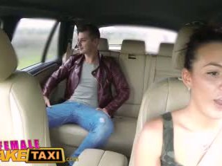 Femalefaketaxi vroče cabbie wants da dobili zajebal in imajo prihajanje vse več ji perfektno prsi video