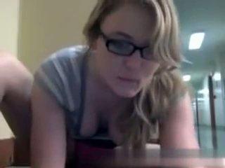 zien webcams film, meest nerdy, library neuken
