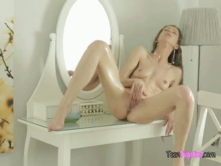 vol brunette thumbnail, gratis kindje porno, mooi solo film