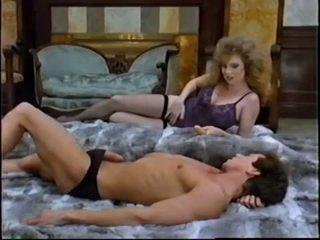 heet brunette, orale seks porno, een speelgoed neuken