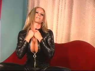 Chick in leather catsuit deepthroating