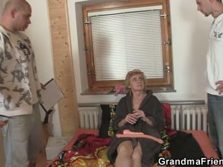 סבתות, מתבגר, שלשות, ישן + צעיר