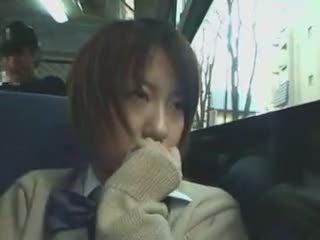 Arg koolitüdruk käperdatud sisse buss