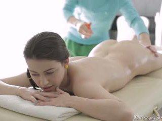 18 virgin sexe - 18 année vieux alina