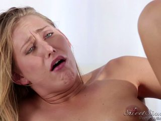 Carter Cruise Makes Up To Logan Pierce With A Massage