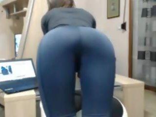 Ripped Yoga Pants Große Titten