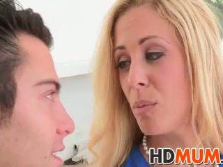 Licking lessons dengan mum