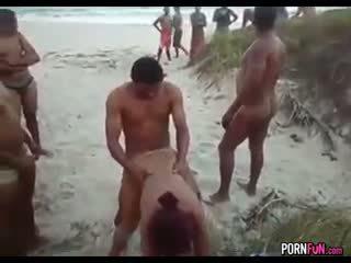 meer doggystyle scène, controleren strand, gangbang porno