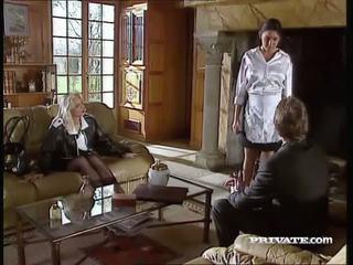 Silvia saint fucks la lawyer et drains son foutre