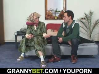 Γριά γυναίκες gets αυτήν bald μουνί slammed