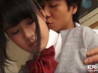 Supercute japonsko šolarka itsuka zajebal in creampied