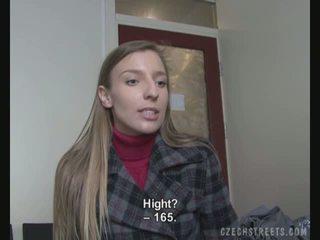 Casting vídeo con an amateur calle chica