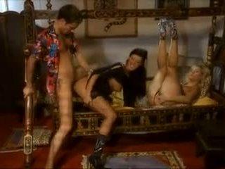 controleren brunette porno, echt orale seks neuken, deepthroat film