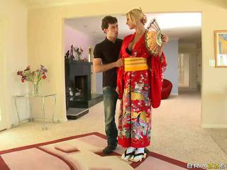 Білявка geisha breaking з customs