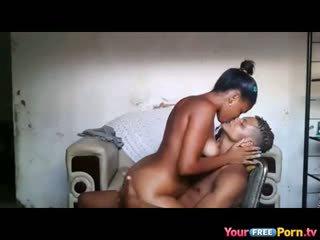 Afrikai teenagers otthon készült sextape