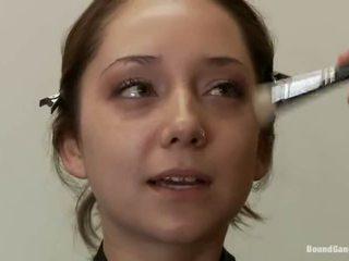 groot brunette, echt dubbele penetratie, online groepsseks porno