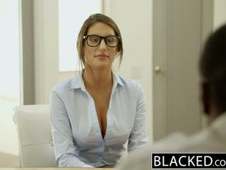 Blacked august ames gets an mezirasový creampie