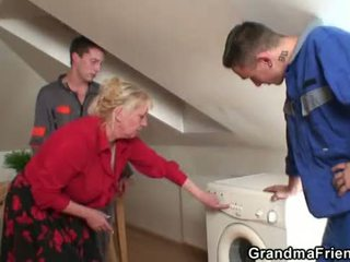 best mommy mov, fun old pussy, fun grandmother action